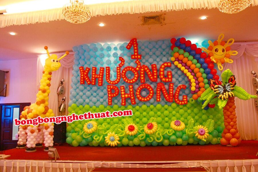 Trang Trí Tường Bong Bóng sinh nhật Rừng Xanh