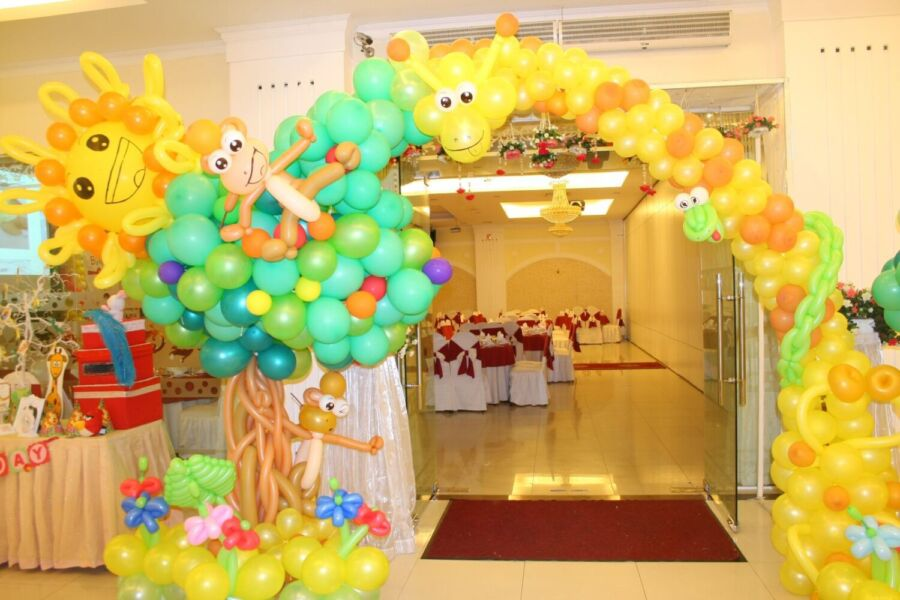Cổng sinh nhật bằng bong bóng