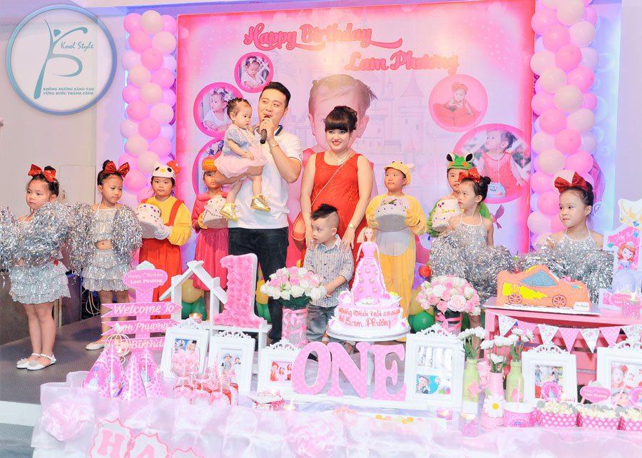 Nhóm múa thiếu nhi sinh nhật