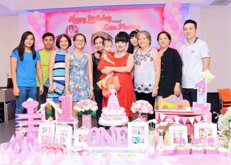 sân khấu sinh nhật