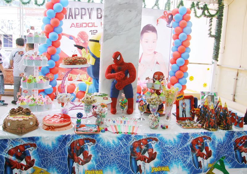 trang trí bàn tiệc sinh nhật