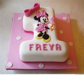 bánh kem sinh nhật 1 tuổi của bé
