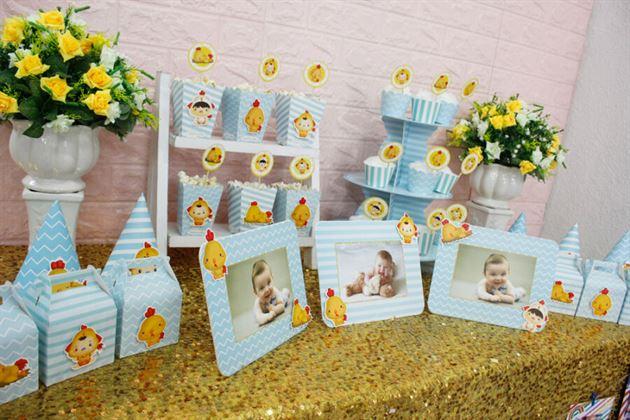 Bàn sinh nhật trang trí full set với chú gà con