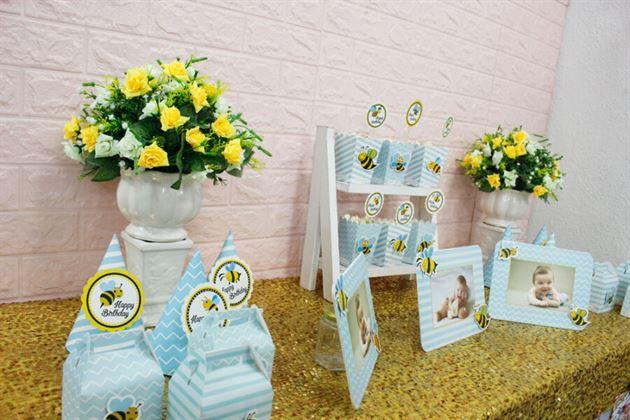 Bàn sinh nhật trang trí set mini bé ong