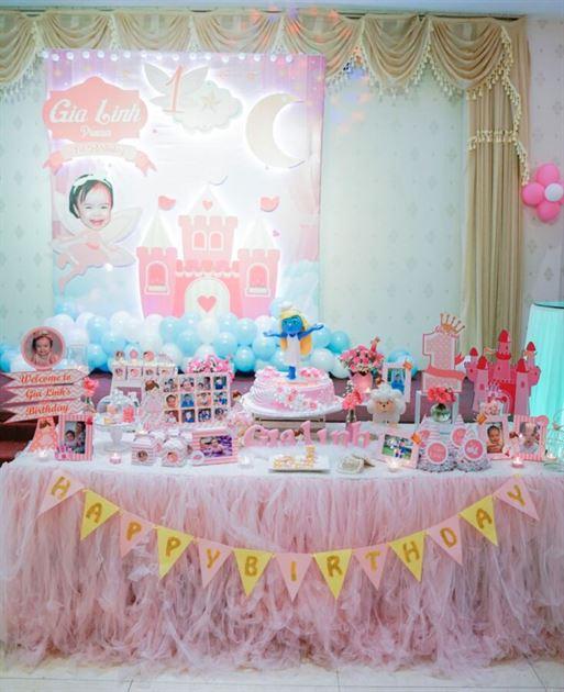 Bàn tiệc sinh nhật đẹp
