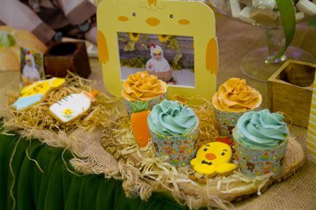 Bánh cupcake trang trí sinh nhật bé