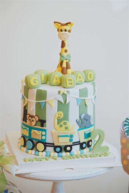 bánh kem sinh nhật bé trai 2 tuổi