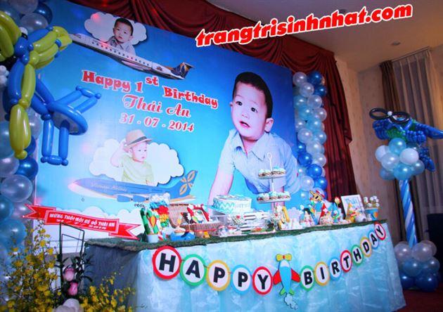 Một góc chụp bàn sinh nhật đẹp lung linh