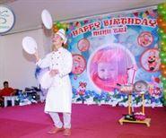 Biểu diễn xiếc đầu bếp tiệc sinh nhật