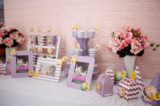 Bộ phụ kiện sinh nhật bé gái tuổi gà màu tím chấm bi