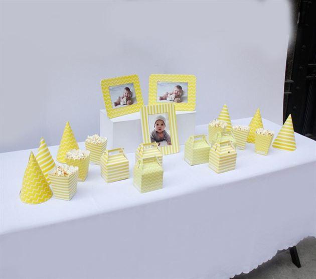 Bộ phụ kiện sinh nhật cho bé màu vàng hoàng gia