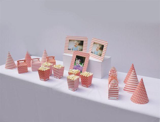Bộ phụ kiện sinh nhật thôi nôi cho bé gái màu hồng hoàng gia