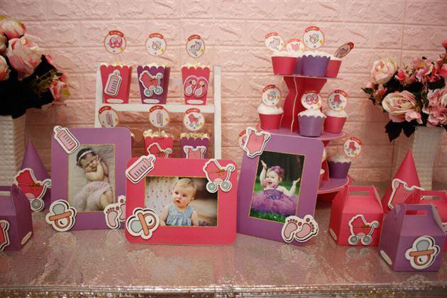 Cận cảnh trang trí bàn sinh nhật bé gái