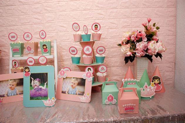 Cận cảnh full set trang trí sinh nhật hồng xanh min