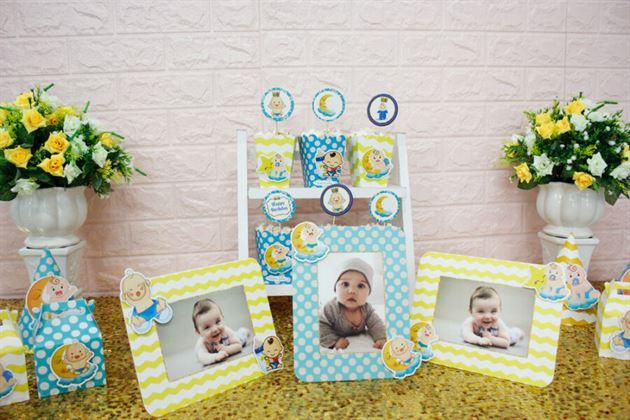 Cận cảnh bàn tiệc trang trí với set mini Baby Boy màu xanh min vàng