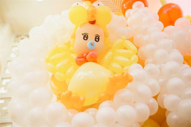 Chú gà con bằng bong bóng dễ thương