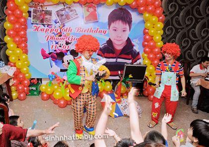 Biểu diễn ảo thuật tiệc sinh nhật