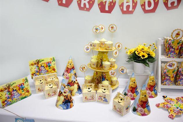 Bộ phụ kiện sinh nhật cho bé Gấu Pooh