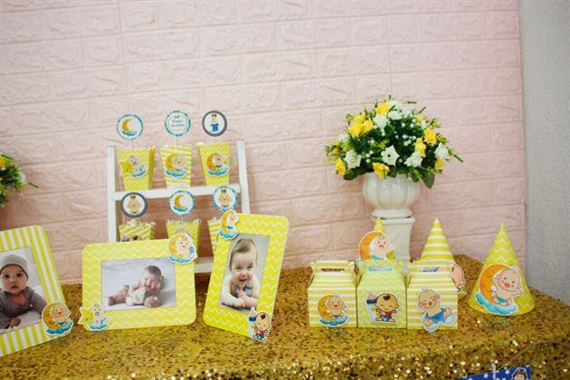 Góc bàn trang trí sinh nhật set mini Baby Boy màu vàng hoàng gia
