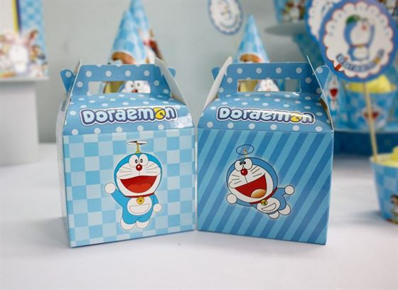 Hộp quà sinh nhật Doraemon