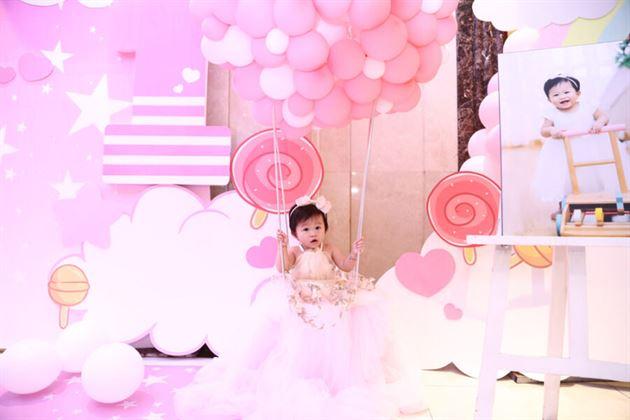 Khinh khí cầu dễ thương có thể sử dụng cho bé ngồi chup ảnh