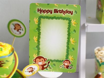 khung hình sinh nhật bé trai tuổi khỉ