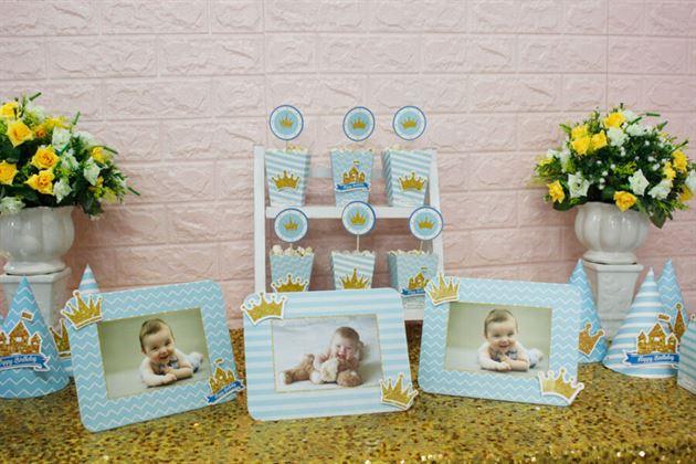 Khung hình trong set mini trang trí cho bé