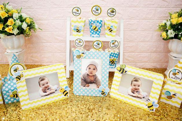 Khung hình trong set mini cho bé ong vàng