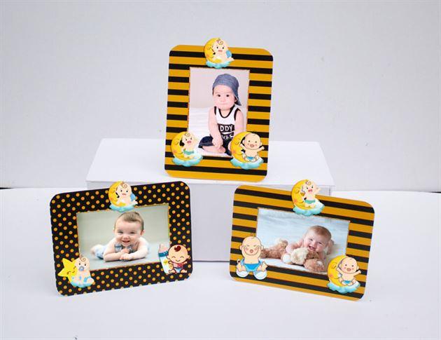 Khung hình sinh nhật baby boy màu vàng đen