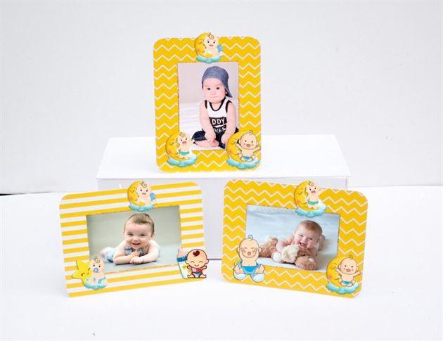 Khung hình sinh nhật Baby Boy màu vàng hoàng gia