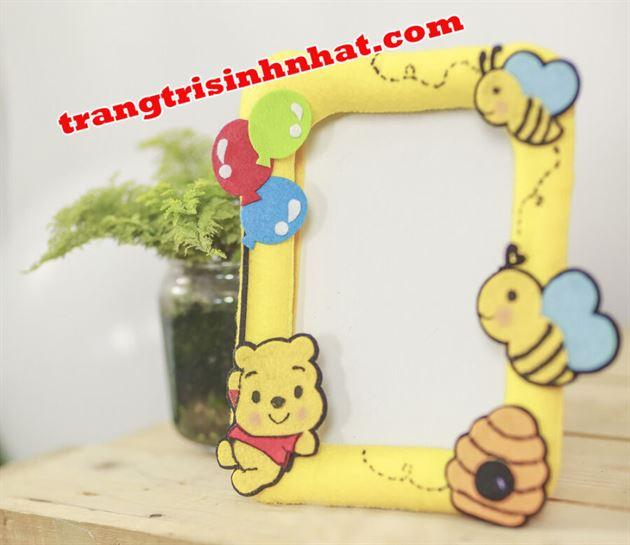 Khung Hình Sinh Nhật Vải Nỉ Gấu Pooh