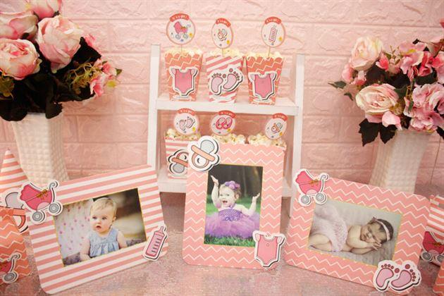 Khung hình trong set mini trang trí sinh nhật bé