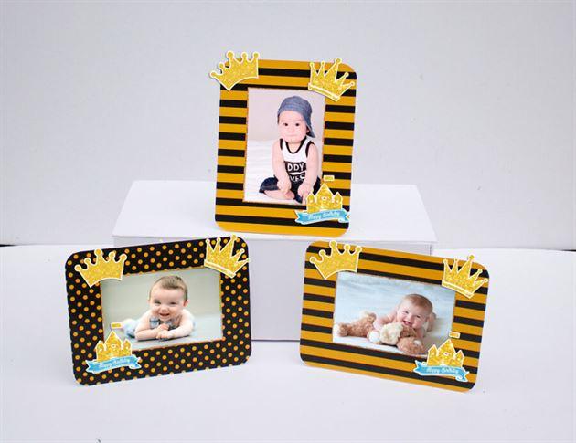 Khung hình sinh nhật Vương Miện Bé Trai màu vàng đen