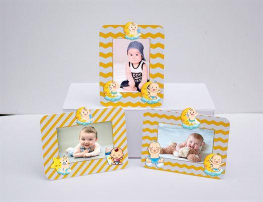 Khung hình sinh nhật Vương Miện Bé Trai màu vàng zigzag