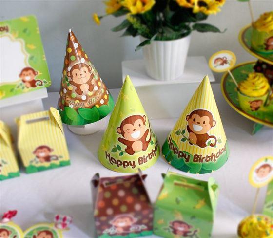 Nón sinh nhật chủ đề bé trai tuổi khỉ