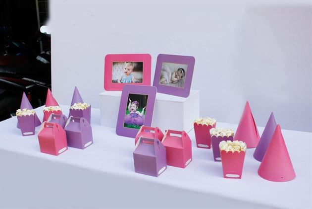 Phụ kiện sinh nhật màu hồng tím