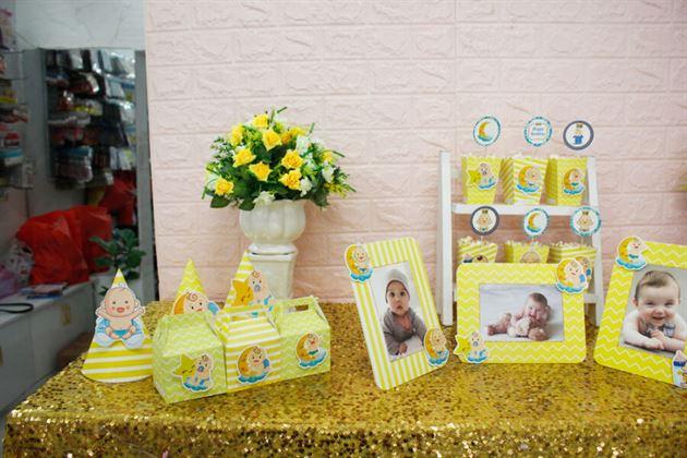 Bàn trang trí thôi nôi set mini Baby Boy màu vàng hoàng gia