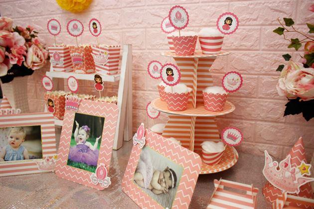Một góc bàn tiệc trang trí sinh nhật bé gái công chúa