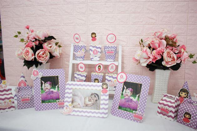 Khung hình sinh nhật tím dễ thương trong set mini