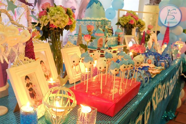 trang trí bàn sinh nhật bé gái