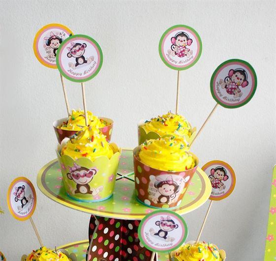 Tem bánh cupcake bé gái Tuổi Khỉ