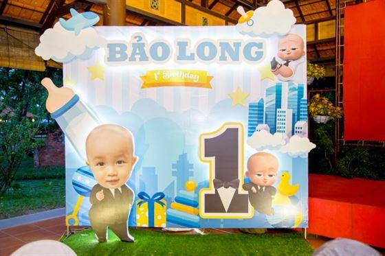 Trang trí tiệc thôi nôi bé Bảo Long chủ đề Baby boss cực ngầu