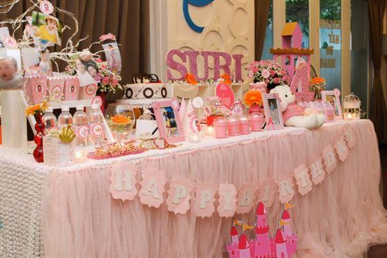 Trang trí bàn sinh nhật bé gái 4 tuổi