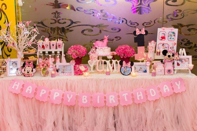 Trọn gói trang trí bàn sinh nhật cho bé gái 1 tuổi