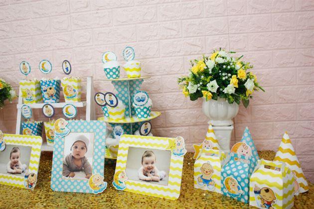 Trang trí bàn tiệc thôi nôi cho bé dễ thương với full set Baby Boy màu xanh min vàng