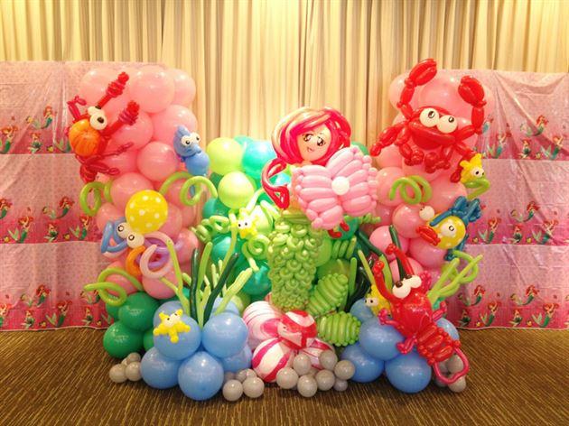Trang trí sinh nhật bằng bong bóng nhiều màu sắc