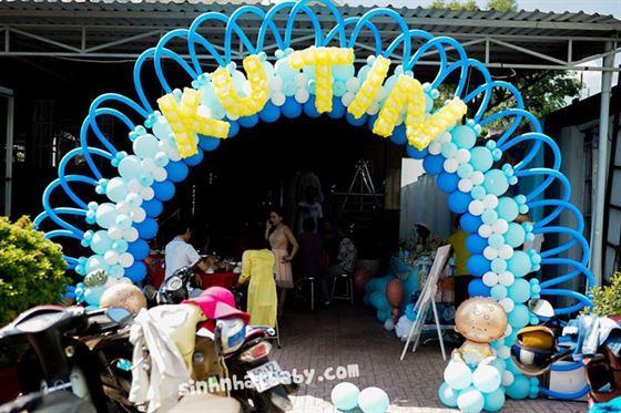 trang trí cổng bong bóng theo chủ đề baby boy
