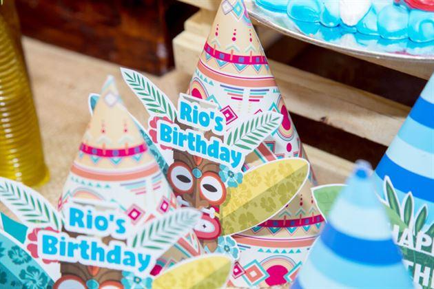Trang trí nón sinh nhật theo chủ đề boho