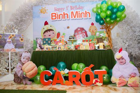 Tiệc sinh nhật sắc màu bé trai tuổi gà