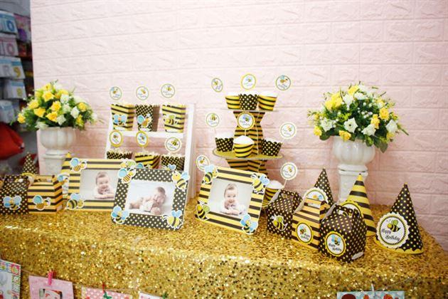 Trang trí sinh nhật với full set màu vàng đen